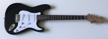Duff McKagan Signed Electric Guitar – £249