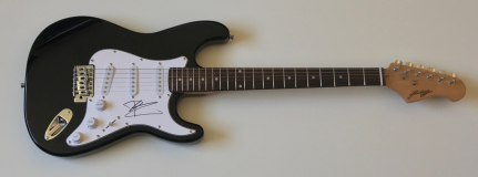 Pete Townshend Signed Electric Guitar – £399