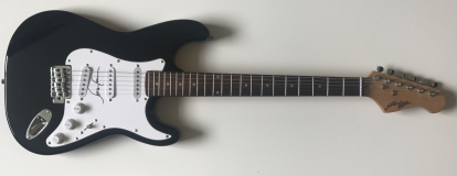 Sean Lennon Signed Electric Guitar -£199